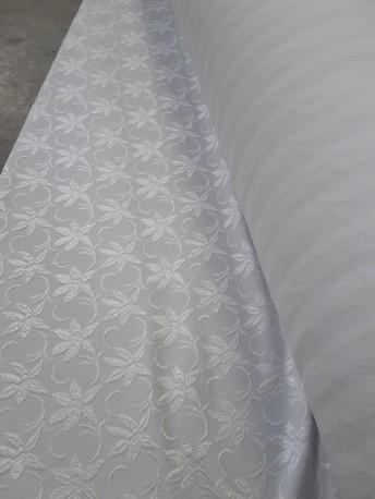 Tissus florisé blanc